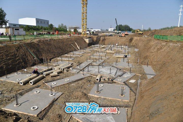 5号楼正在做地下基础工程