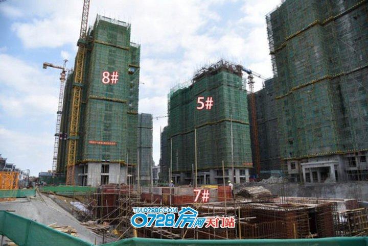 7号楼即将出正负零,8号楼总层高33层,第1层为架空层,正在建第17层